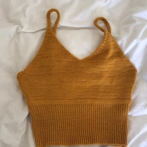 Crochet crop top/bralette